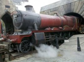 WWOHP Train 300x224 Behind the Scenes tour of the Wizarding World of Harry Potter