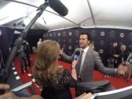 Luke Bryan 300x225 Nashville Cameraman at the CMT Artists of the Year Red Carpet with E!